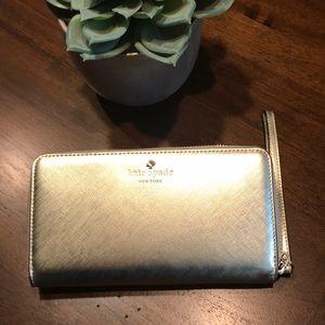 NWT Kate Spade universal zip wallet